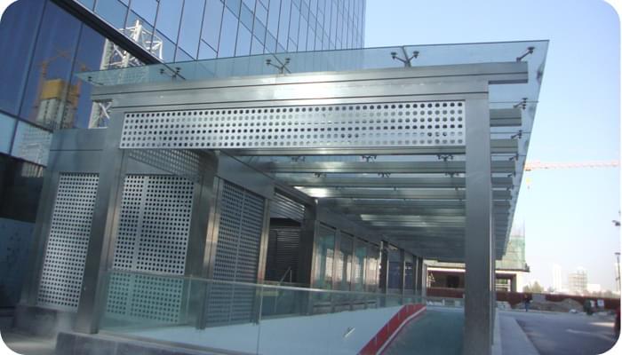 车库出入口钢结构|钢结构商场