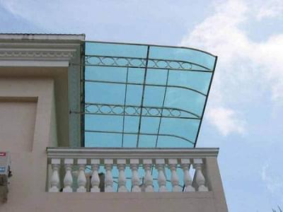 阳台,雨篷等悬臂结构的受力钢筋在支撑端处于强度