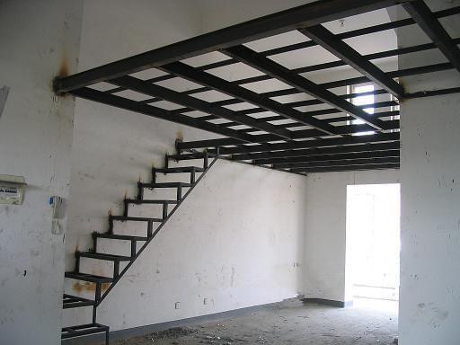 因此有时根据整体结构体系的要求,也采用混凝土剪力墙与钢结构框架相