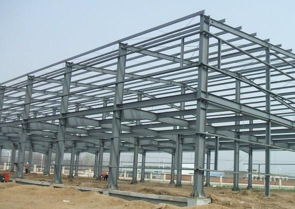 钢结构厂房基础施工图片
