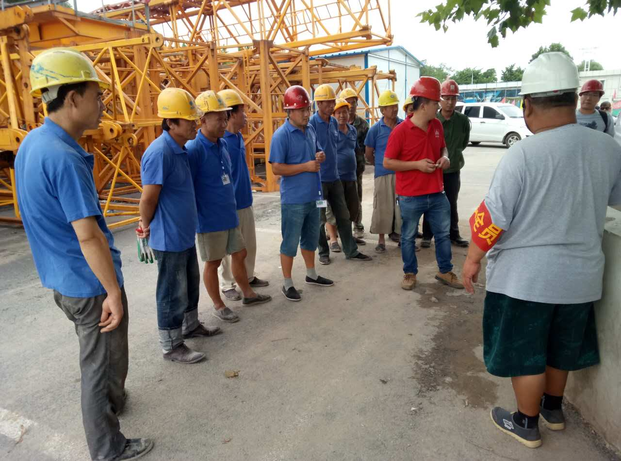亦庄钢结构连廊工程吊装施工照片