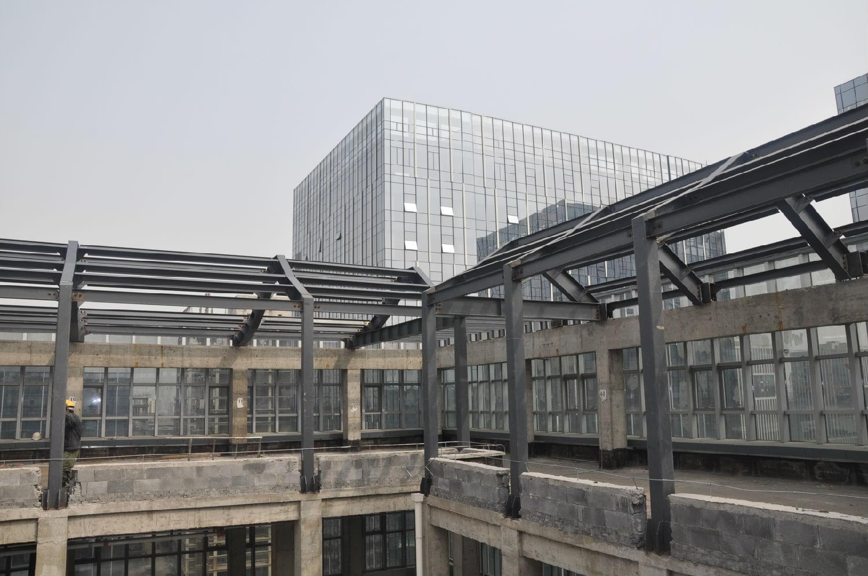 高层和超高层钢结构建筑钢柱的校正方法
