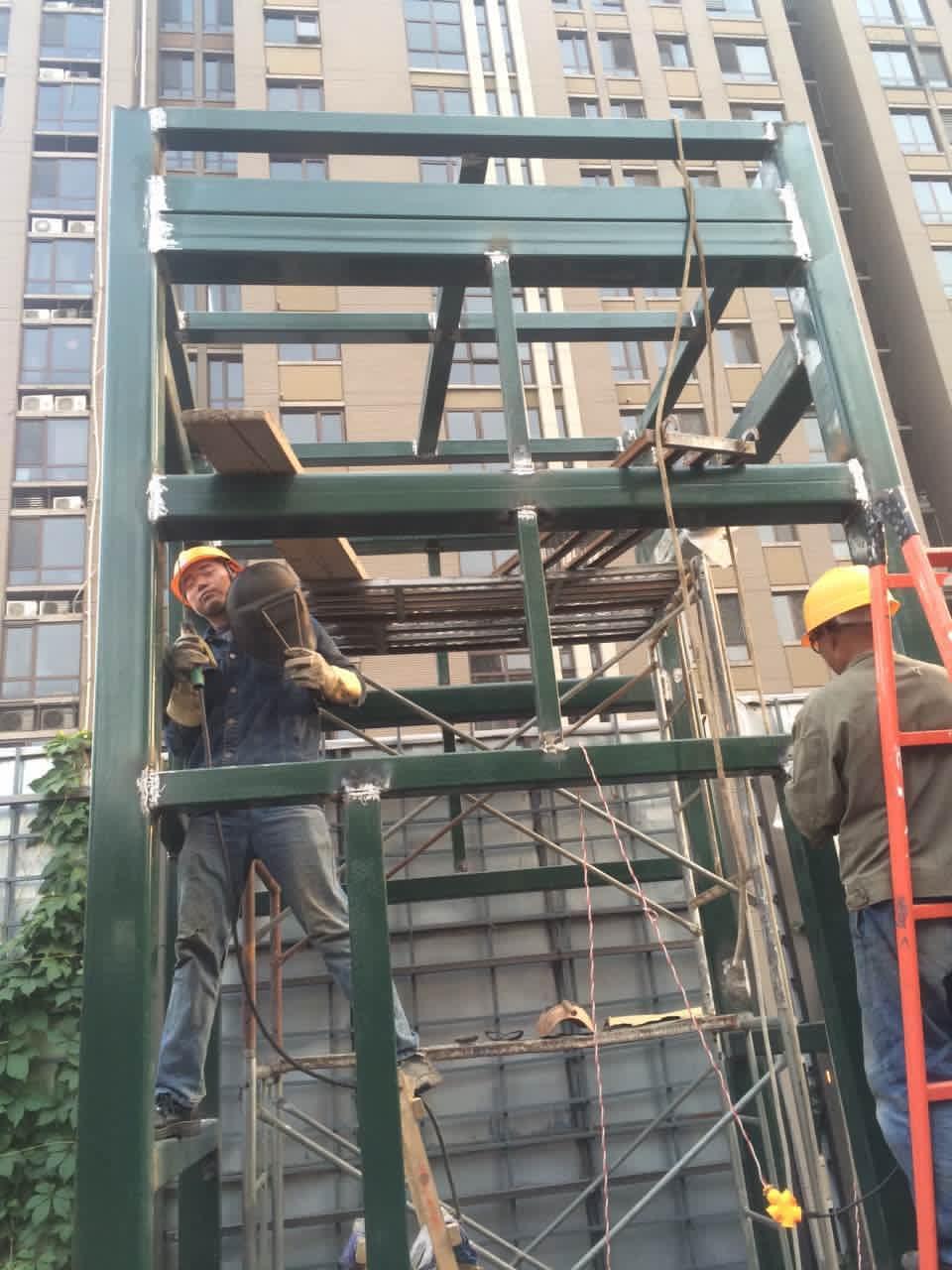 凯利恒宏鼎轩新增钢结构电梯井道工程圆满完工