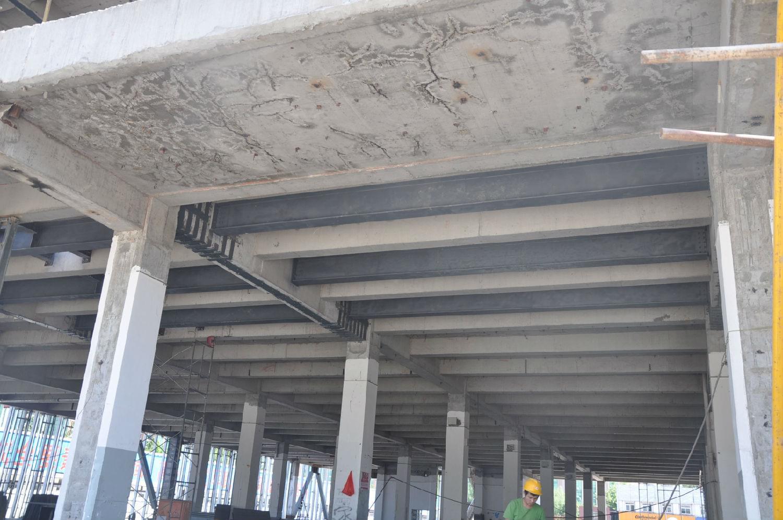 (跃凯工程)四季青桥西郊汽配城钢结构工程顺利完成