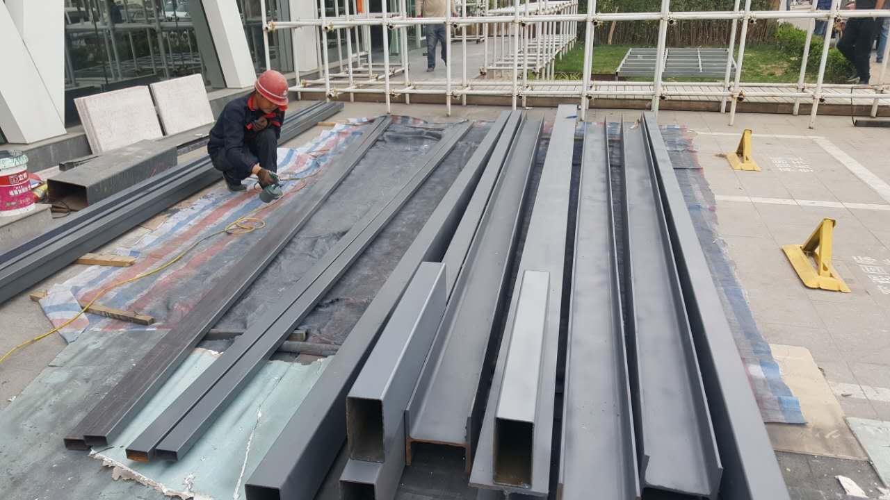 容观国际钢结构夹层工程进场施工