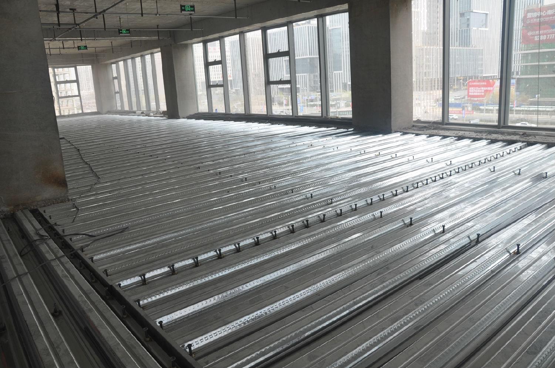钢结构夹层压型钢板和栓钉的质量控制