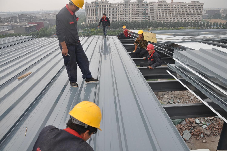 钢结构屋面板安装施工