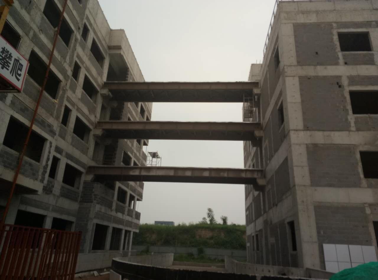 凯利恒-三层钢结构连廊施工照片