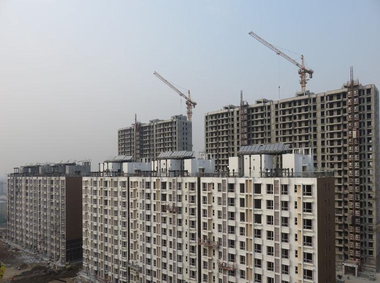 钢结构案例-东小口镇住宅楼屋面太阳能钢支架项目